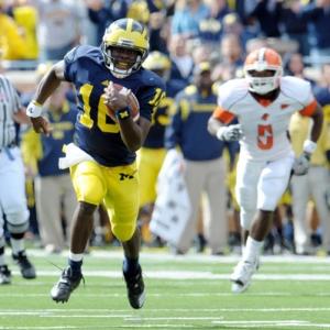 Quarterback Denard Robinson (16) of the University of Michigan