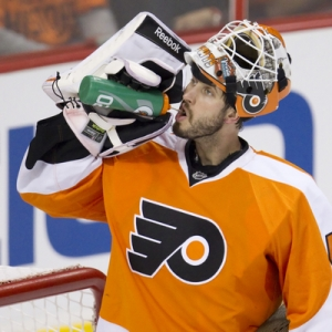 Philadelphia Flyers goalie Michael Leighton