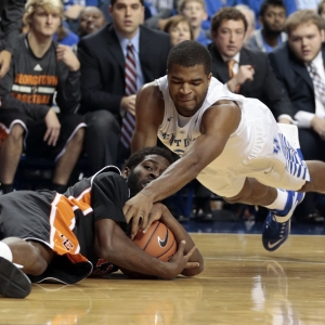 Kentucky Wildcats guard Aaron Harrison