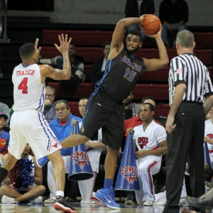 UCSB Gauchos forward Alan Williams