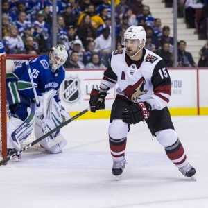 Arizona Coyotes Center Brad Richardson