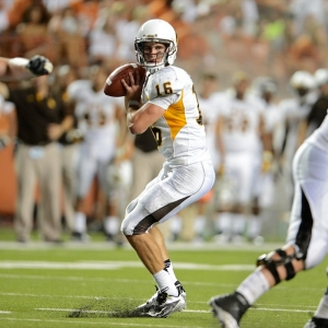 Wyoming Cowboys quarterback Brett Smith