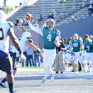 Eastern Michigan Eagles quarterback Brogan Roback