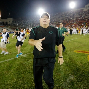 Oregon Ducks head coach Chip Kelly