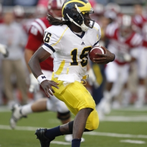 Michigan Wolverines quarterback Denard Robinson