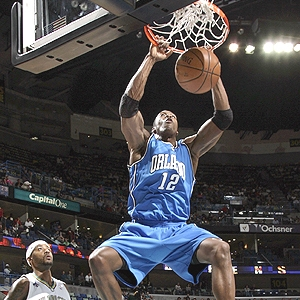Dwight Howard dunks