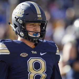 Pittsburgh Panthers quarterback Kenny Pickett