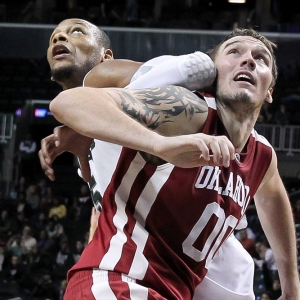 Oklahoma Sooners forward Ryan Spangler