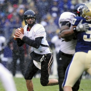 Cincinnati Bearcats quarterback Tony Pike.