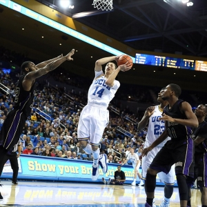 UCLA Bruins guard Zach LaVine