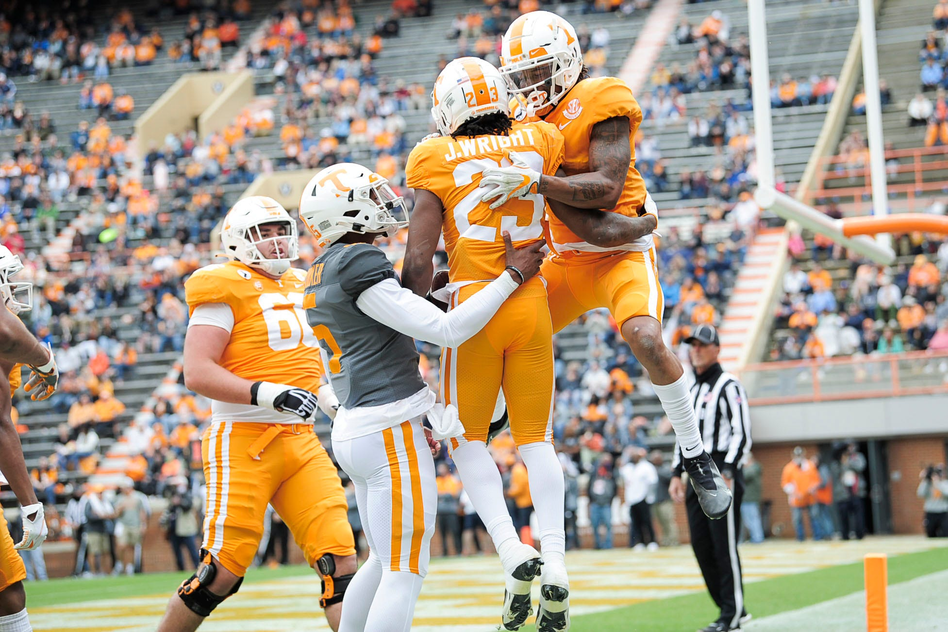 Tennessee Volunteers Football Preview 2021:  Season Win Total Picks, Odds and Predictions